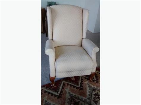 lazy boy recliner slipcovers wingback lazy boy wingback recliner chairs 28 images wingback