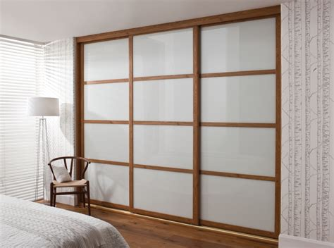 Glass Door Wardrobe Designs Custom Sliding Wardrobe Doors Design Ideas For Bedroom Inovatics 衣櫃