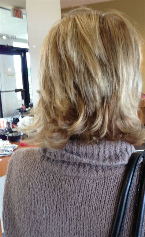 chuncky bob hair cuts layered bob with chunky highlights layered bob