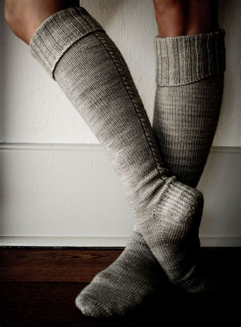 high pattern socks little cable knee highs the purl bee make these free