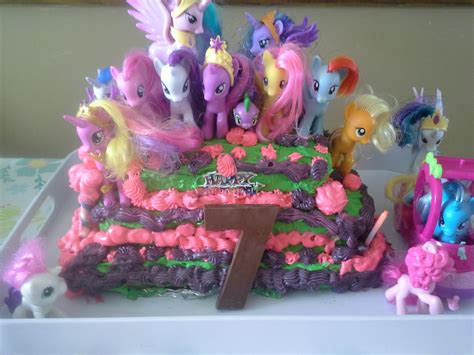little decorations partying like ponies and an awesome birthday cake food