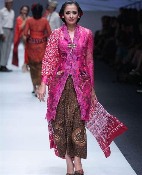 Kebaya Kartini 23 50 inspirasi baju kondangan