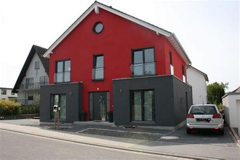 fassadenfarben am haus sehen hausfassade au 223 enansichten haus aussen die rote