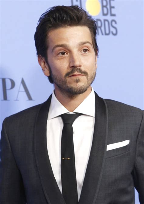 diego luna review diego luna picture 50 74th golden globe awards press room