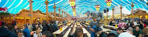 tavoli oktoberfest birrerie e posti a sedere cannstatter volksfest