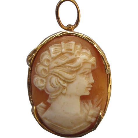 vintage italian 14k gold cameo pin pendant from delmartwo