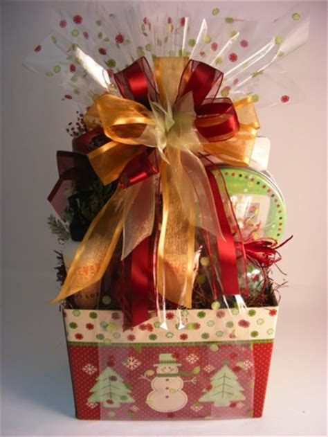 wrapping a gift basket with cellophane gift basket business information