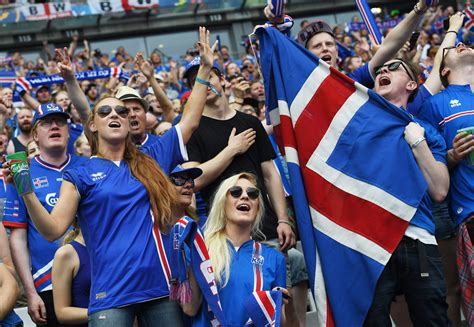do date fans iceland vs soccer underdogs win hearts at