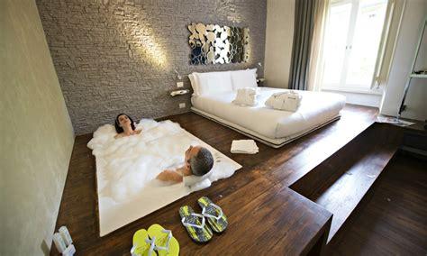 hotel con vasca idromassaggio in roma irooms rooms suites in rome a roma roma