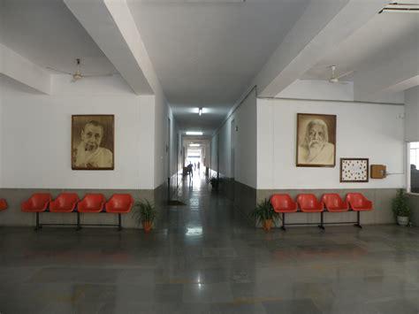 Foyer Office by File Foyer Near Principal S Office S International