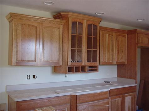 Kitchen Cabinets With Molding How To Cut Crown Molding For Kitchen Cabinets Ehow Uk