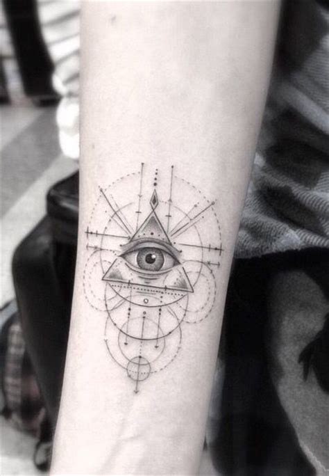 illuminati tatoo 25 best ideas about illuminati on