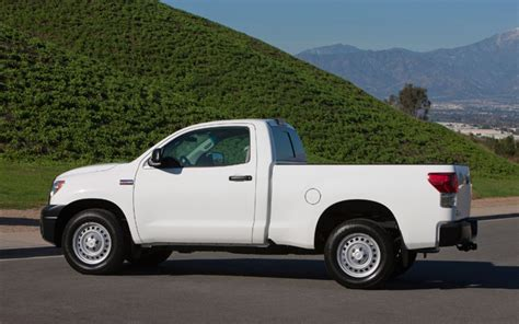 how does cars work 2011 toyota tundra engine control 2011 toyota tundra reviews and rating motor trend