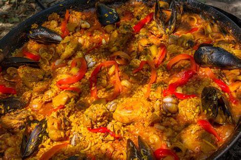 cucinare la paella di pesce paella di pesce gustosa ricetta per cucinare la paella