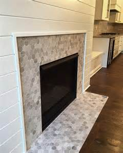 kamin mit kacheln best 25 fireplace surrounds ideas on white
