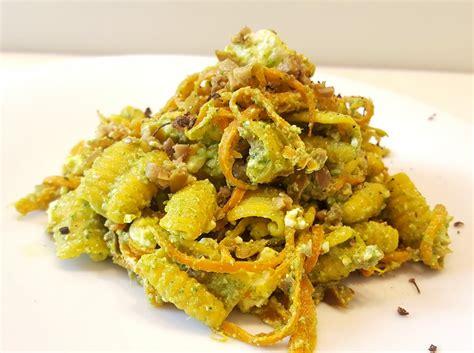 foglie sedano ricette gnocchetti di riso al pesto di foglie di sedano senza glutine