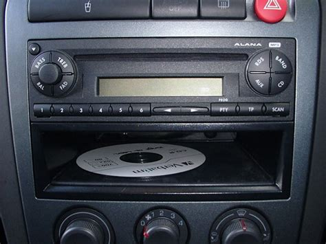 autoradio gps dvd bluetooth seat ibiza  prix discount