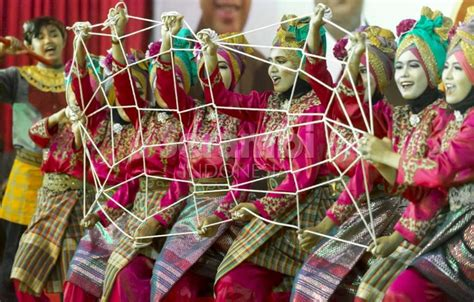 Baju Show Nyayi Penyanyi Tari 9 tarian tradisional dari aceh yang paling terkenal seni budaya