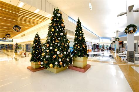 tree shopping shopping centres retailers vm visual merchandising