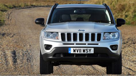 silver jeep compass front pose of 2011 jeep compass uk in silver wallpaper