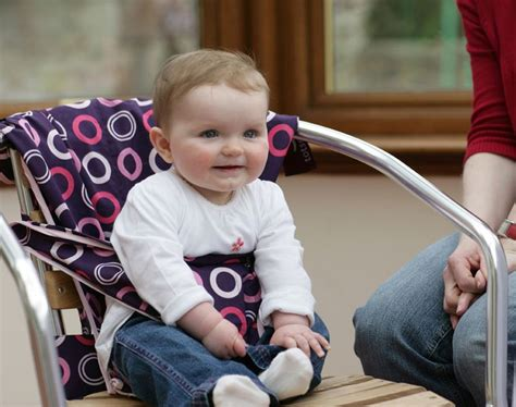 The Totseat svan introduces the totseat 174 the original portable child seat for babies who lunch
