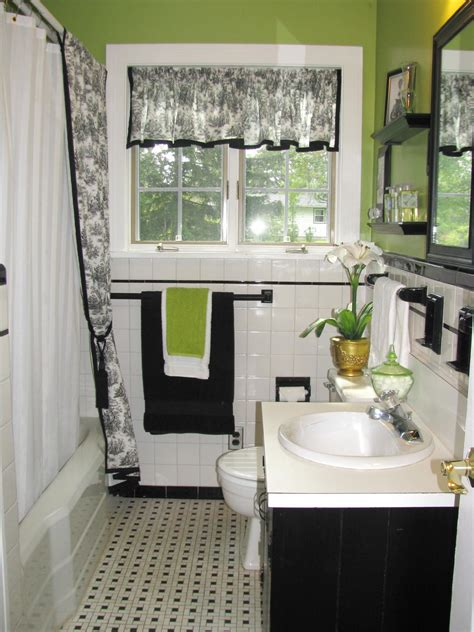 Black And White Bathroom Decor Ideas Hgtv Pictures Hgtv White And Green Bathroom Ideas