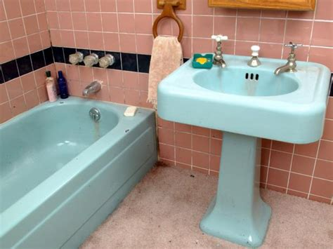 diy painting bathroom tips from the pros on painting bathtubs and tile
