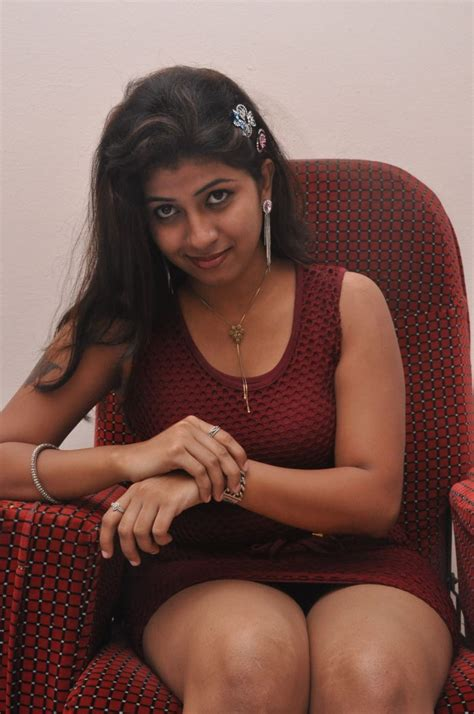 picture  telugu actress geetanjali hot stills