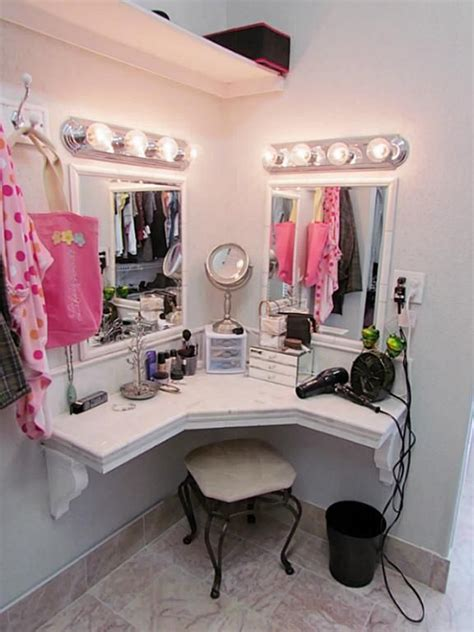 La Vanity by Best 25 Closet Vanity Ideas On Necklace