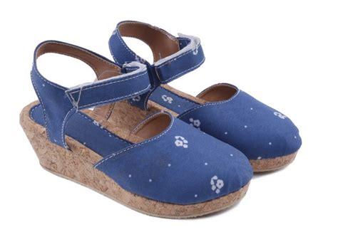 Terlaris Sendal Tali Best Seller gambar sepatu sendal wedges sepatu sandal wedges anak perempuan toddler t7018 mrs bee store