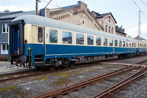d wagen 2 klasse intercity abteilwagen uic x wagen in ozeanblau