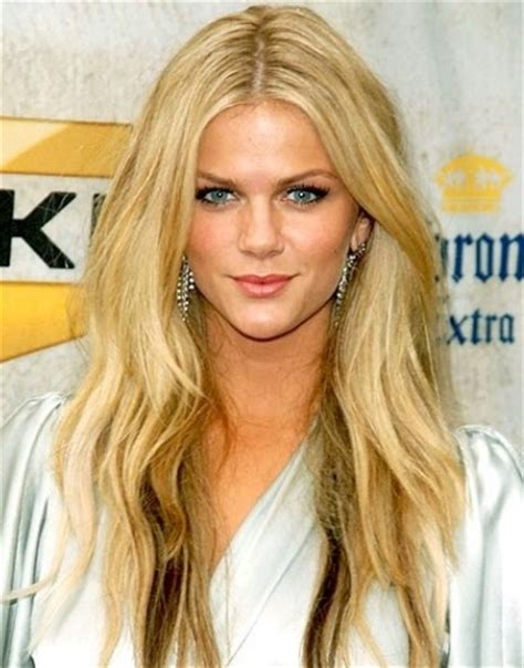 brooklyn decker the hottest girl on earth love that red top 20 hottest women in the world in 2014 5 people s
