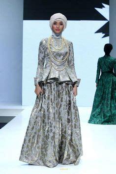 Ida Royani Scarf Tipe I ida royani quot west to east quot indonesia islamic fashion fair