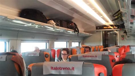 interno treno italo italo treno viaggio a 300km h sulla linea roma