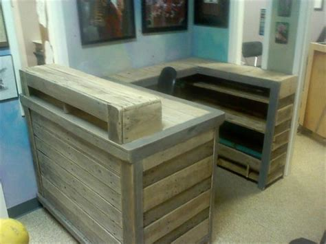 Diy Desk Hutch Diy Pallet Desk With Ledge And Hutch Pallet Furniture Plans