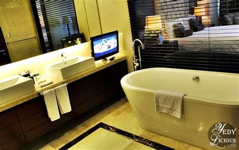 hotel with bathtub in manila staycation at oakwood premier hotel manila in ortigas