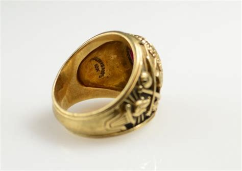 685 10k gold class rings lot 685