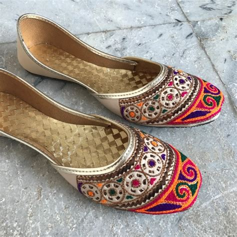 Sepatu Mojari Made In India handmade shoes khussa womens indian mojari pakistan