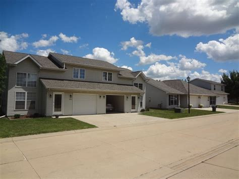 one bedroom apartments in normal il creekside rentals normal il apartments