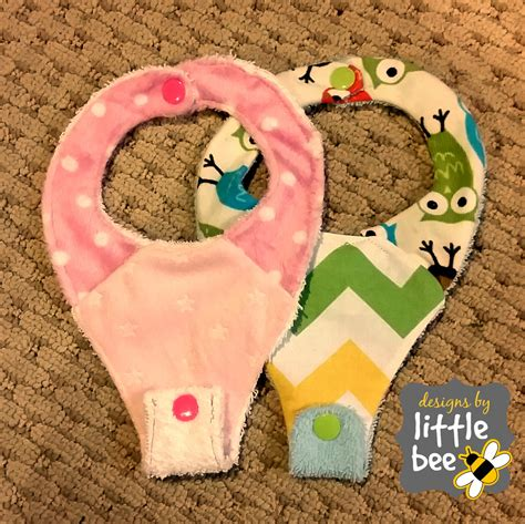 free pattern pacifier bib pacifier bib dummy binky ith 5x7 and sewing pattern tutorial