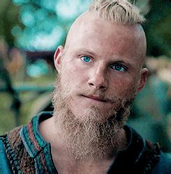 vikings alexander ludwig reveals 5 things about bjorn sandi layne s blog the shieldgeeks talk vikings the