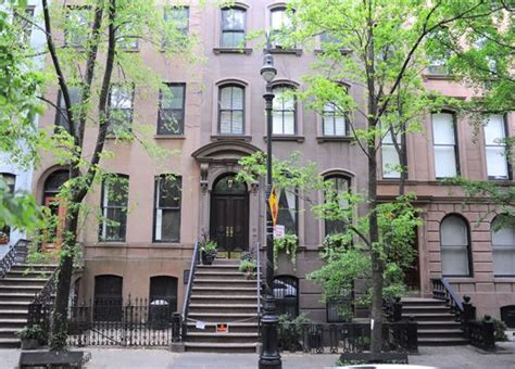 64 perry the original location of carrie bradshaw s apartment where i ve been my