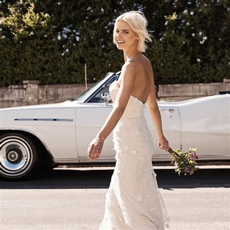 design your dream prom dress you can now design your dream wedding dress online red