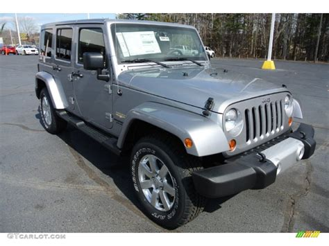 jeep sahara silver 2013 billet silver metallic jeep wrangler unlimited sahara