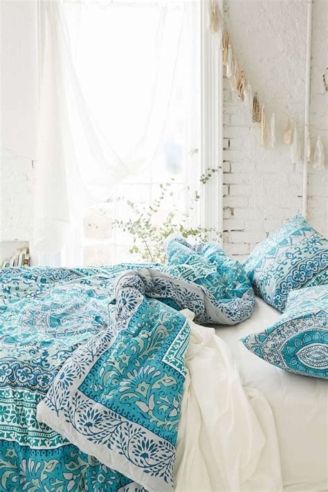 light turquoise comforter 1000 ideas about turquoise bedspread on pinterest