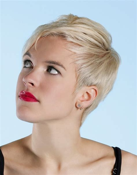 inverted triangle heart shape face haircuts short layered pixie haircut for inverted triangle and