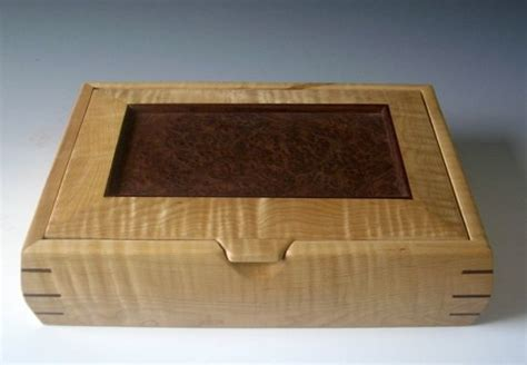 Handmade Wood Jewelry Boxes - a unique jewelry box handmade of woods makes the