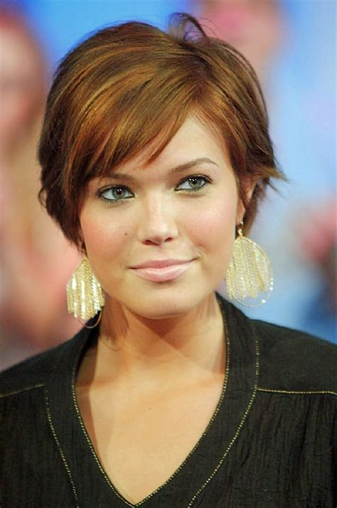 hairstyles for double chin and round face short hairstyles for round faces with double chin