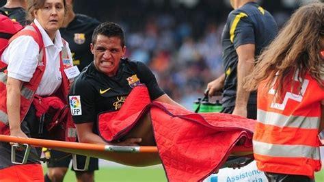 alexis sanchez injury barcelona lose alexis s 225 nchez to injury uefa chions