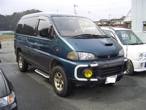 mitsubishi delica space gear review mitsubishi delica space gear exceed 2800 turbo picture 3